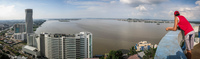 20140507160555-Guayaquil_river_Panorama_from_Las_Penas